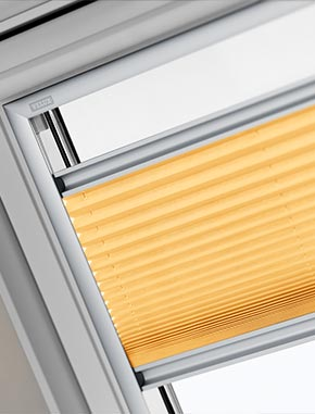 https://www.dakraam-gordijn.nl/~/media/Itzala/products/velux/pleated/velux%20pleated%20large.jpg